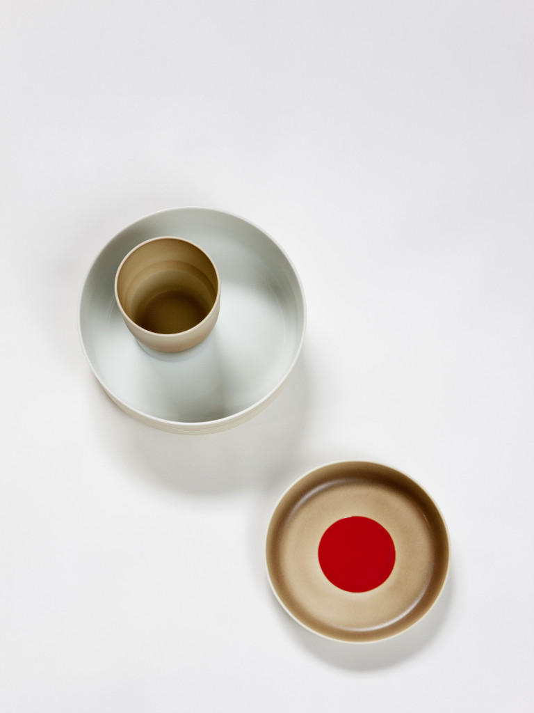 2. Deep plate with cup and light-brown plate with red dot from the Scholten & Baijings 'Colour Porcelain' collection / Photography Inga Powilleit