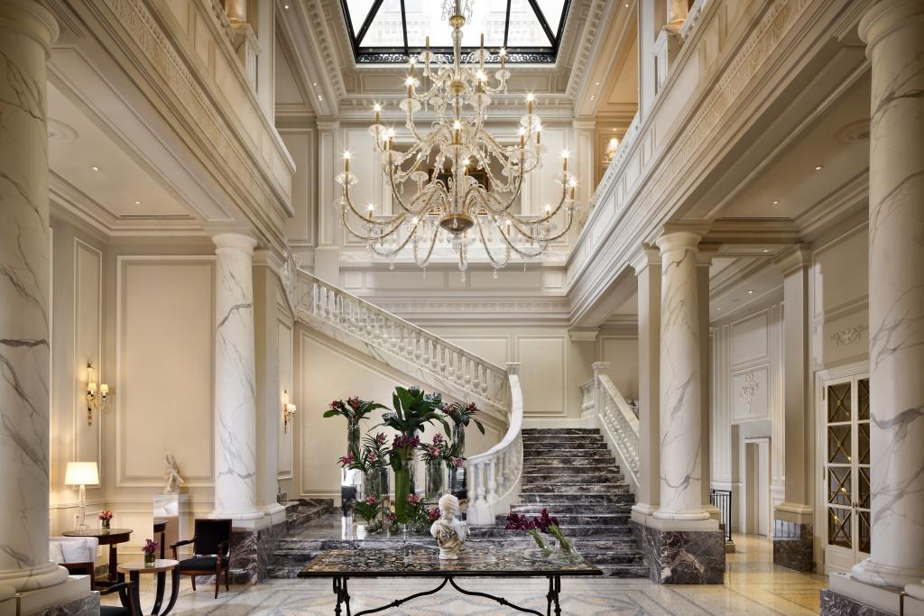 Palazzo Parigi, Lobby centrale