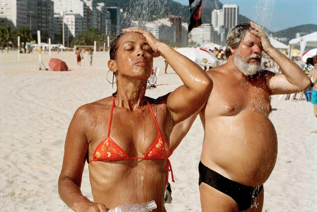 martin-parr-couple-showering-copacabana-beach-2007