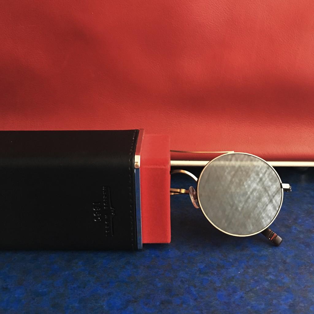 1. Óculos Morel France com mala Prada-Escolhida